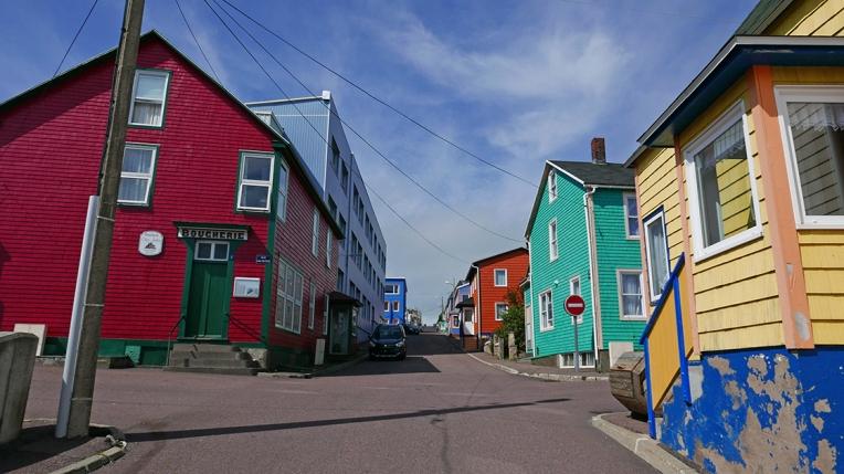 colors of St. Pierre